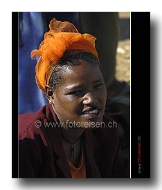 Frau am Markt in Dorze