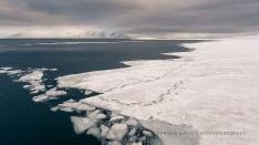 Wintereis im Fjord